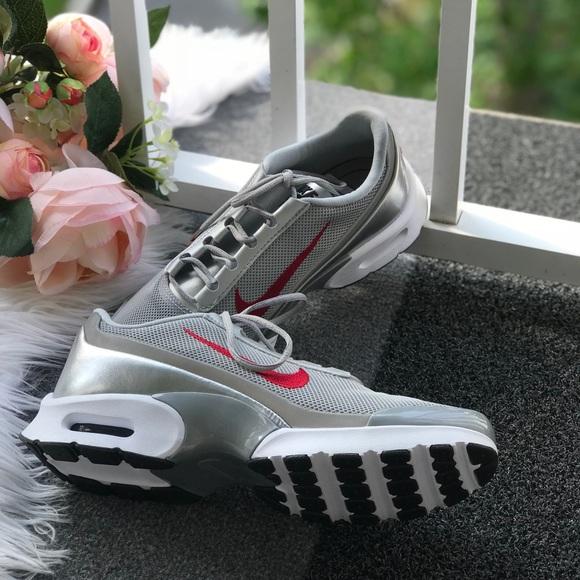 NWT Nike Air Max Jewell QS Silver WMNS NWT